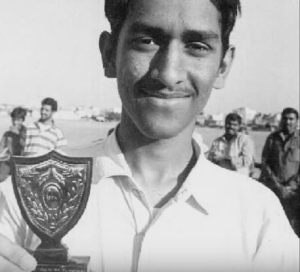 dhoni childhood photo young