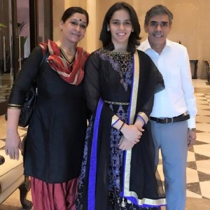 saina nehwal mother father