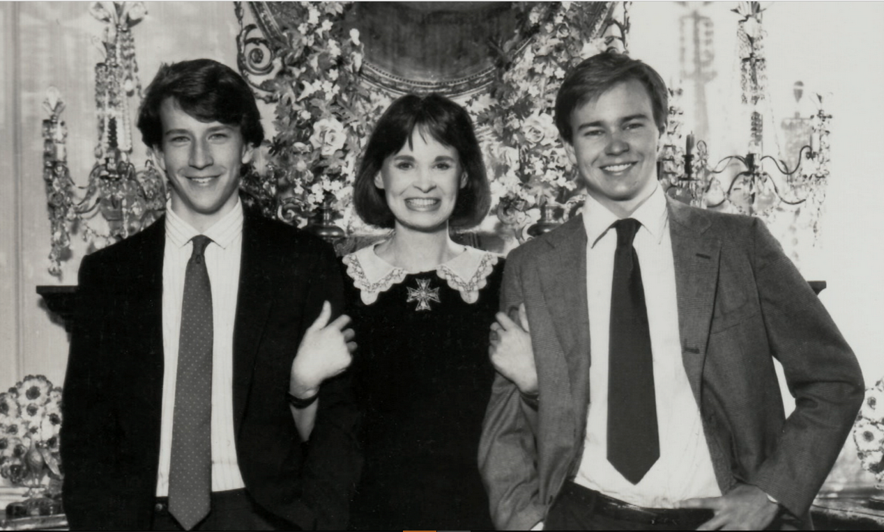 Gloria Vanderbilt Net Worth Age Husbands Books Wiki