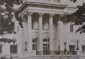 gloria vanderbilt house