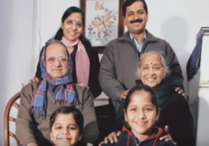 arvind kejriwal family photo