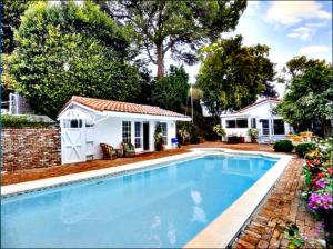 Miranda Kerr and Evan Spiegel  mansion brentwood
