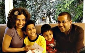 chetal bhagat with wife Anusha Bhagat and sons