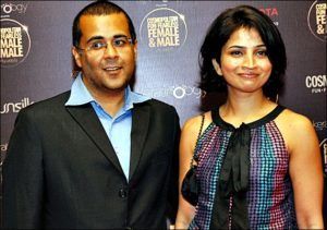 chetal bhagat with wife Anusha Bhagat pictures