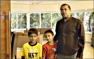 chetan bhagat with kids