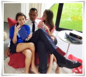 alex-rodriguez-with-daughter