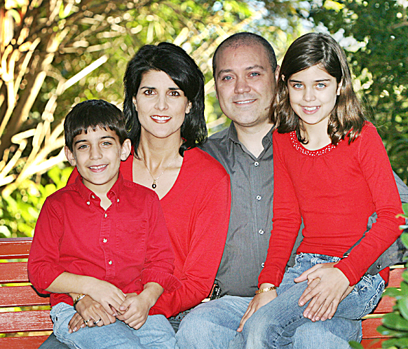 nikki-haley-with-husband-and-children